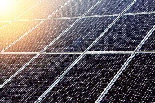 Produire son énergie soi-même grâce aux panneaux solaires photovoltaïques