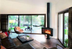 Focus lance sa nouvelle gamme de foyers à gaz tout en gardant le leadership de la cheminée design