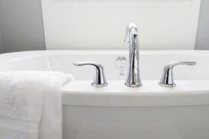 : installation baignoire à porte