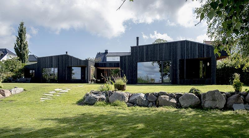 maison-architecte-bois-brule-kebony